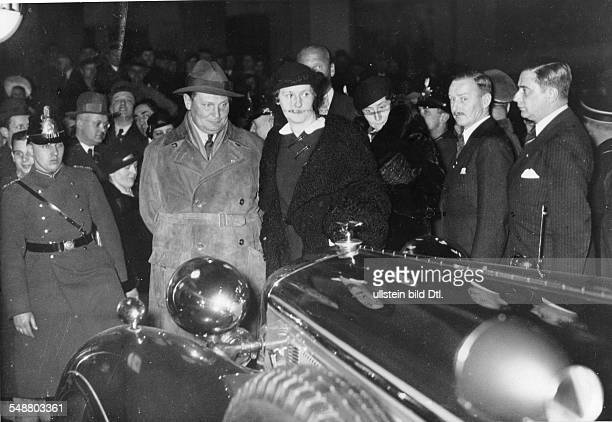 Goering Hermann Politician NSDAP Germany *12011893 with his wife Emmy during the International Motor Show IAA in Berlin undated Photographer...