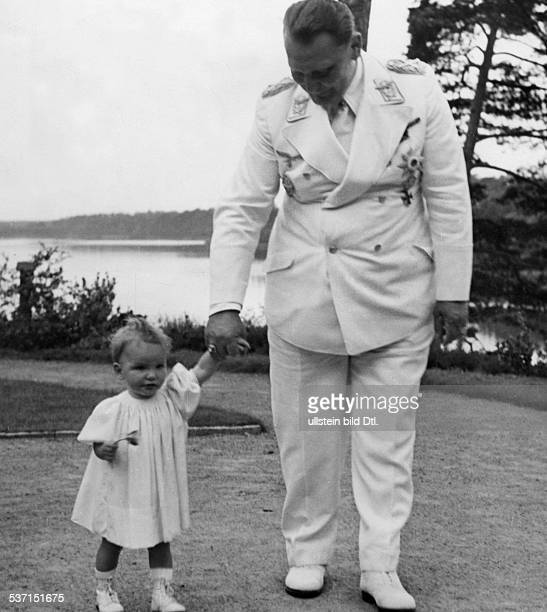 Goering Hermann Politician NSDAP Germany with his daughter Edda in Carinhall 1939 Photographer PresseIllustrationen Heinrich Hoffmann Published by...