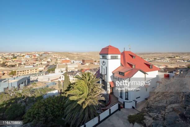 goerke haus, 19th century mansion in the remote, former diamond-mining town luderitz in southwestern namibia - ナミブ砂漠 ストックフォトと画像