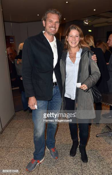 Goetz Otto and his wife Sabine Otto during the 'Schumanns Bargespraeche' Premiere at Arri Kino on October 8 2017 in Munich Germany