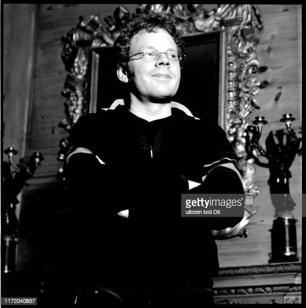 Goetz Schleser Fotograf in der Bibliothek des Verlag Axel Springer Journalistenclub Klub Club