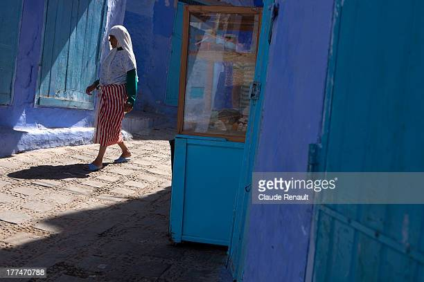 CONTENT] Going by a bakery in Chefchaouen