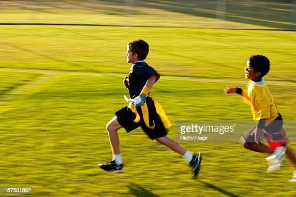 para el puntaje va - rush fútbol americano fotografías e imágenes de stock