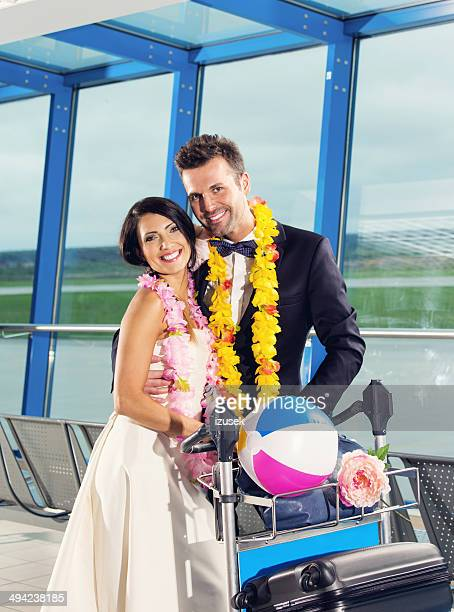 going on honeymoon - izusek stock pictures, royalty-free photos & images