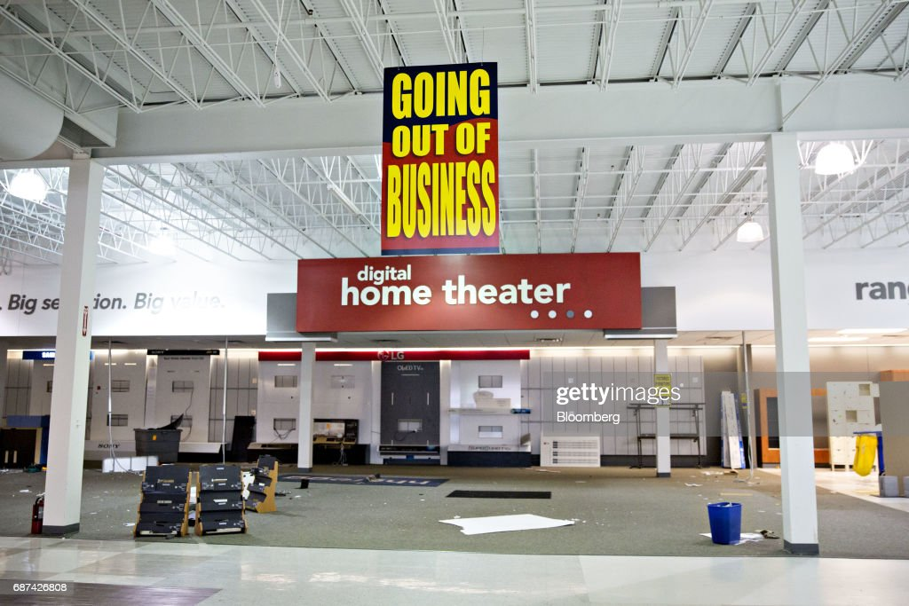 HHGregg Inc. Closing All Stores After Failing to Find Buyer : News Photo
