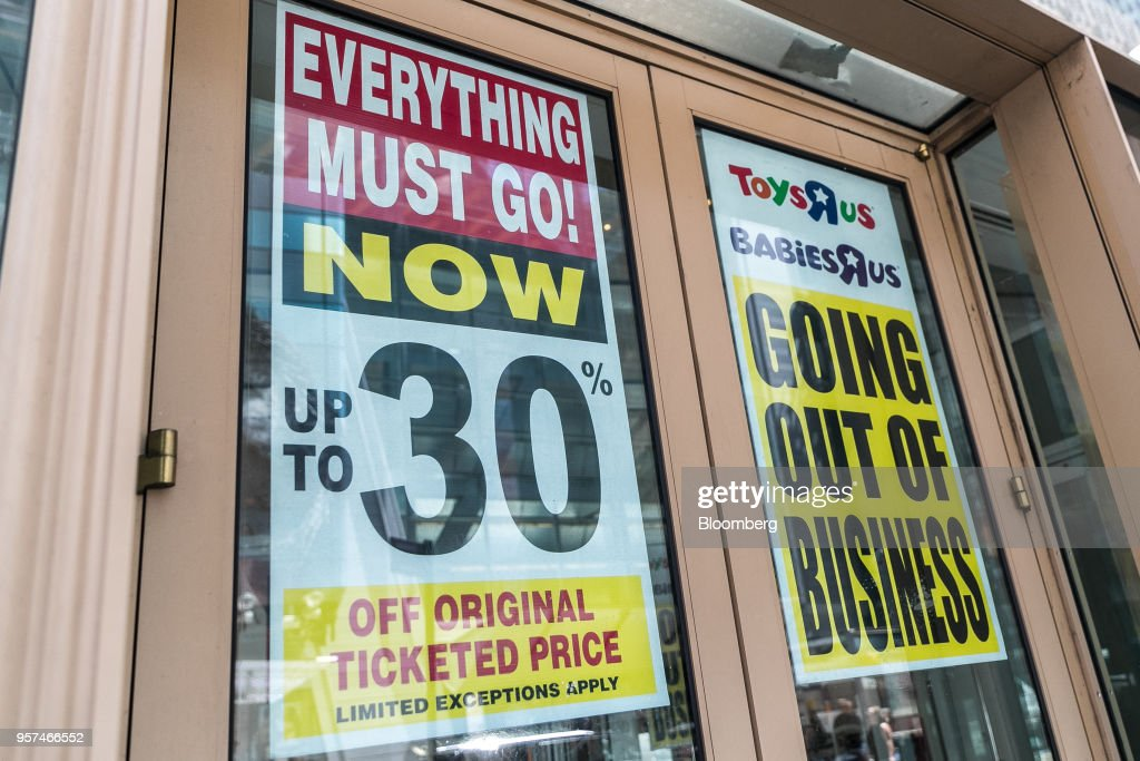 Toys 'R' Us Inc. Location As Customers Attend The Bankrupt Company's Final Sales : News Photo