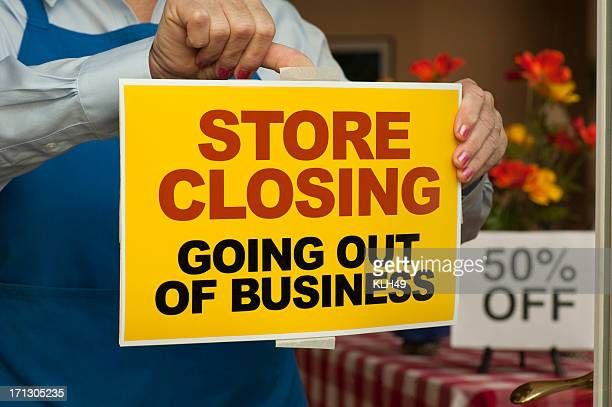 going out of business-segnale inglese - cartello chiuso foto e immagini stock