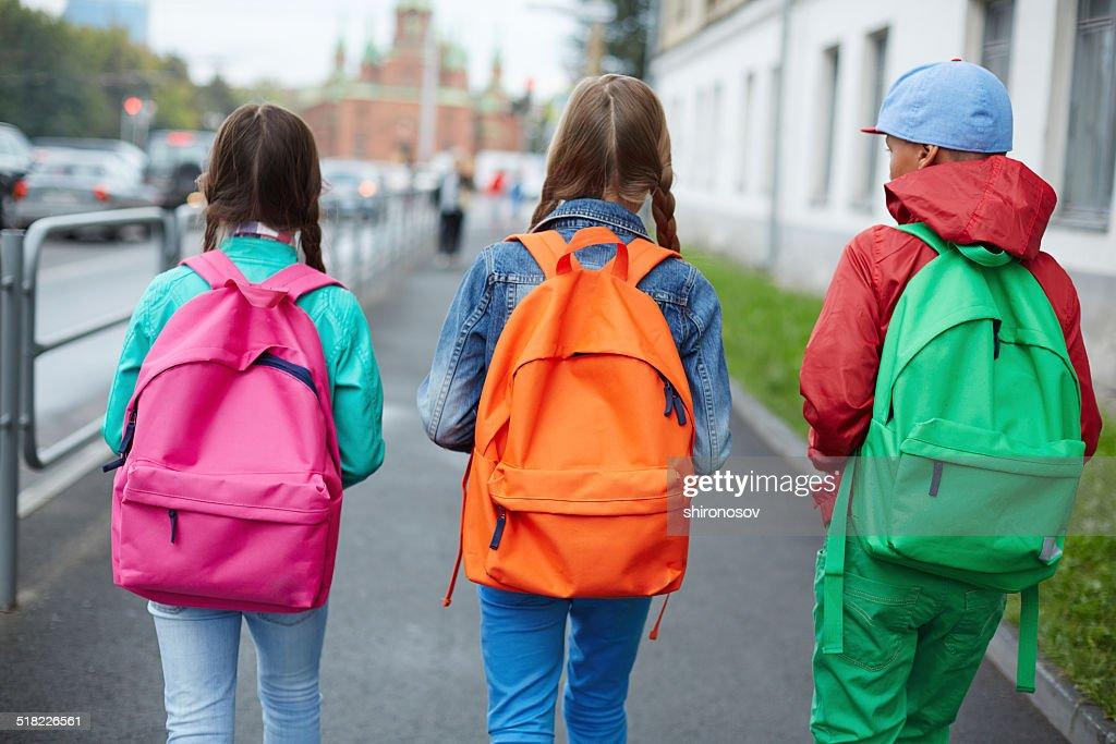 Afbeeldingsresultaat voor freestock foto rugtas school
