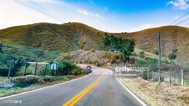 going up the mountains of rio de janeiro. - crmacedonio fotografías e imágenes de stock