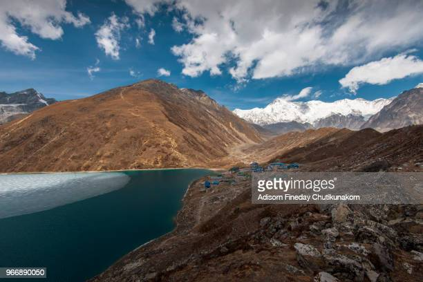 gokyo lake from gokyo ri, everest region - gokyo ri ストックフォトと画像