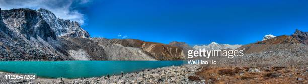 gokyo lakes - gokyo ri ストックフォトと画像