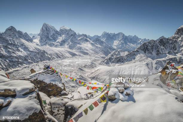 gokyo peak, everest region, nepal - nepal stock pictures, royalty-free photos & images