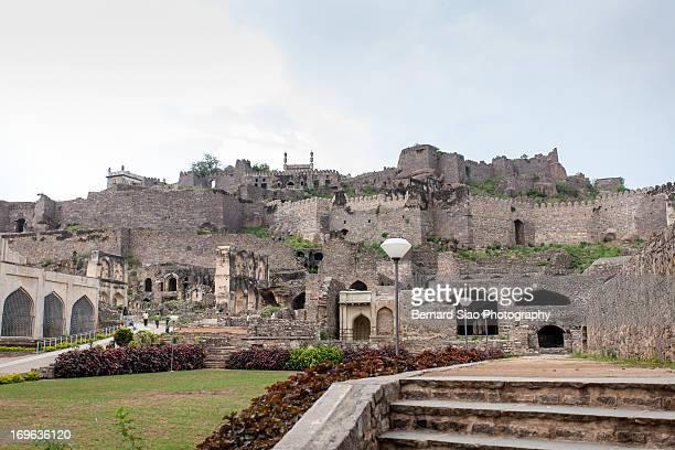 golconda fort - ハイデラバード ストックフォトと画像