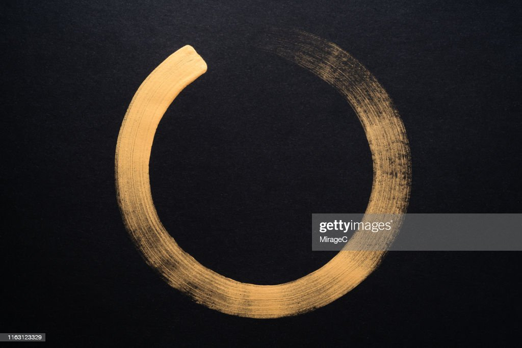 Gold Colored Sumi Circle : Stock Photo