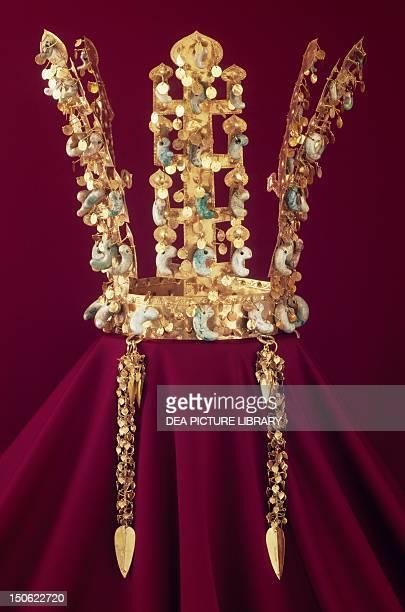 Gold crown from Chonmachong tomb in Kyongju South Korea Goldsmith's art Korean Civilisation Silla Kingdom Three Kingdoms period 5th6th century