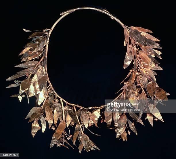 Gold crown from Derveni Goldsmith art Greek Civilization 4th Century BC SALONIKA ARHEOLOGIKÓ MOUSSÍo