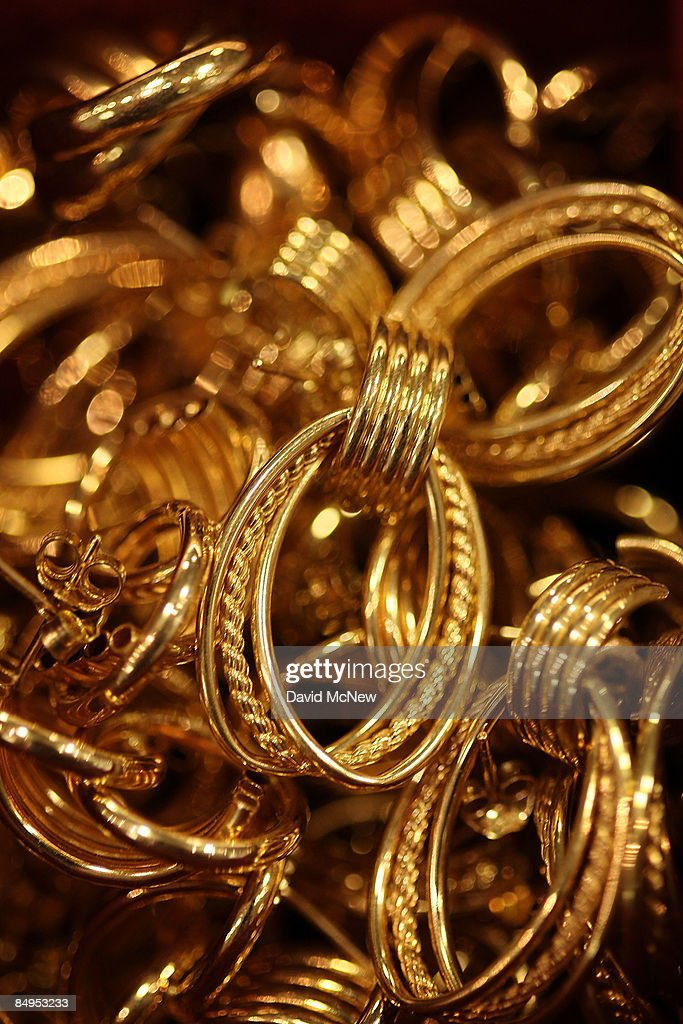 Gold Hits Highest Price In 11 Months : News Photo