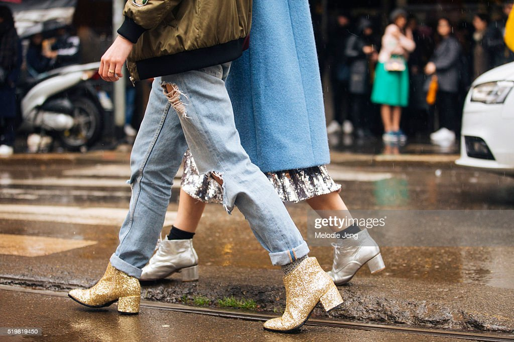 Street Style: February 28 - Milan Fashion Week Fall/Winter 2016/17 : News Photo