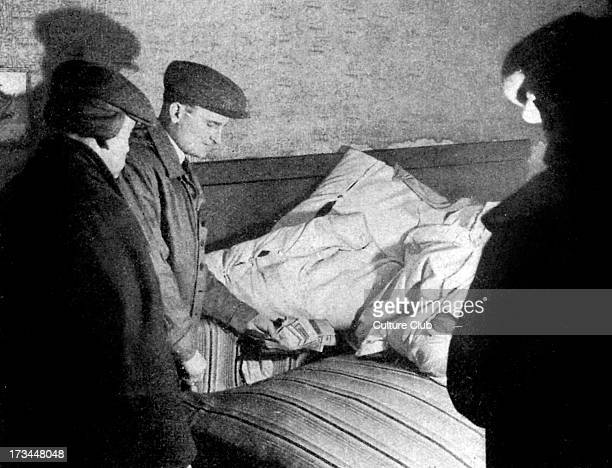 'Gold in the Ghetto' AntiJewish propaganda from German newspaper Photo from Lodz Ghetto Security police find money hidden in a bed Caption reads '...