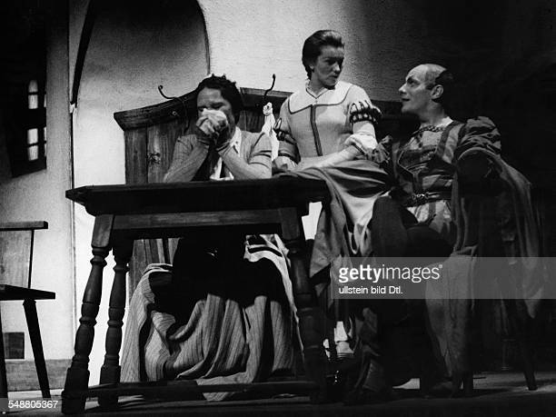 Gold Kaethe Actress Austria * as ' Gretchen ' with actress Maria Koppenhoefer and actor Gustav Gruendgens in the play ' Faust I ' at the theater '...