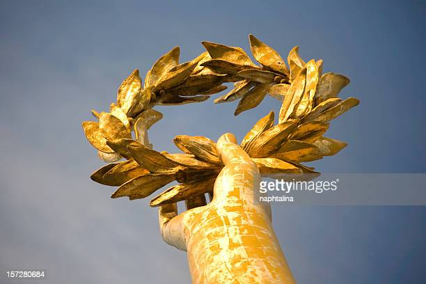 Gold laurel