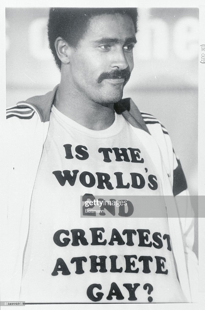Daley Thompson Showing His T-Shirt : News Photo