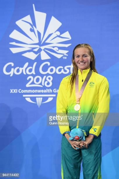 Gold medalist Ariarne Titmus of Australia poses during the medal ceremony for the Women's 400m Freestyle Final on day six of the Gold Coast 2018...
