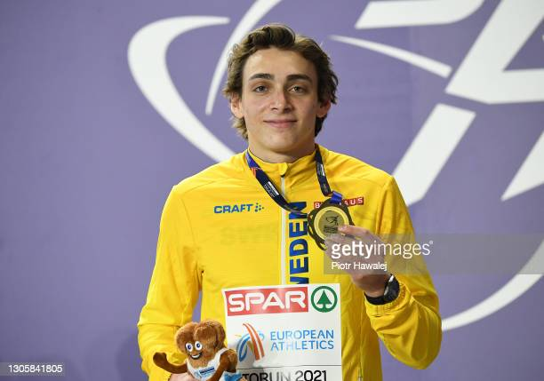 Gold medalist Armand Duplantis of Sweden poses for a photo during the medal ceremony for Men's Pole Vault during the second session on Day 3 of the...