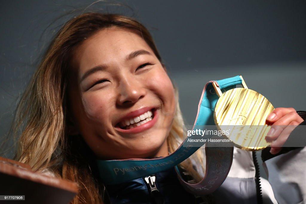 Medal Ceremony - Winter Olympics Day 4 : Foto di attualità