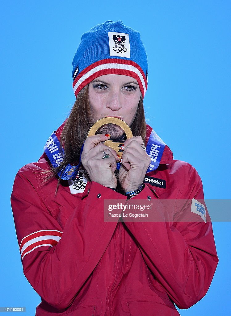 Medal Ceremony - Winter Olympics Day 15 : ニュース写真