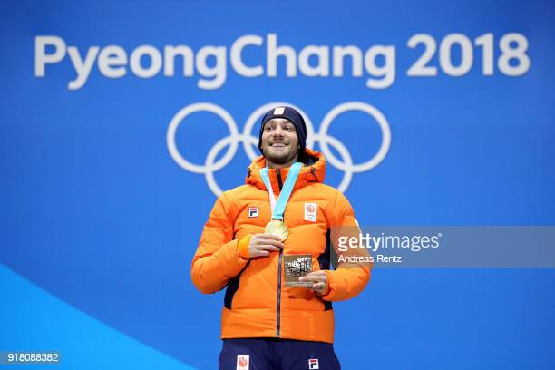 Gold medalist Kjeld Nuis of the Netherlands poses during the medal ceremony for the Men's 1500m Speed Skating on day five of the PyeongChang 2018...