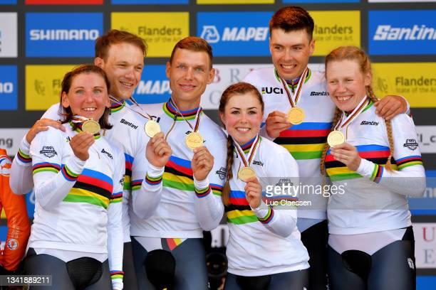 Gold medalists Nikias Arndt of Germany, Lisa Brennauer of Germany, Tony Martin of Germany, Lisa Klein of Germany, Max Walscheid of Germany and Mieke...