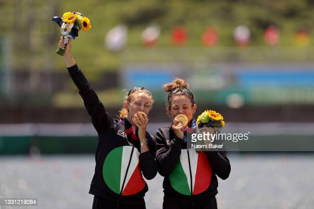 Gold medalists Valentina Rodini and Federica Cesarini of Team Italy pose with their medals during the medal ceremony for the Lightweight Women's...
