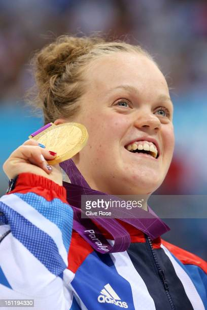 Gold medallist Eleanor Simmonds of Great Britain poses following the medal ceremony for the Women's 200m Individual Medley SM6 finalon day 5 of the...