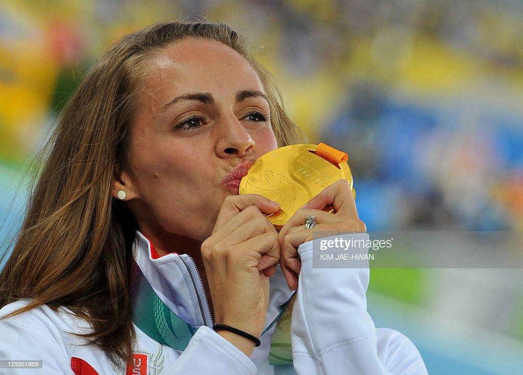 Gold medallist Jennifer Barringer Simpso : News Photo