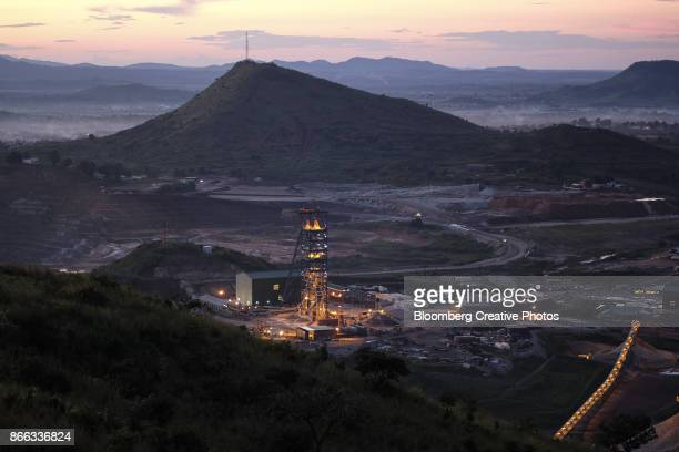 gold mine in the democratic republic of congo - democratic republic of the congo ストックフォトと画像