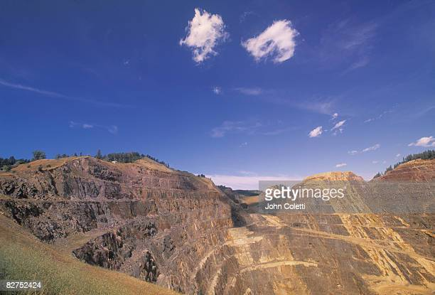 gold mine - hill range stock pictures, royalty-free photos & images