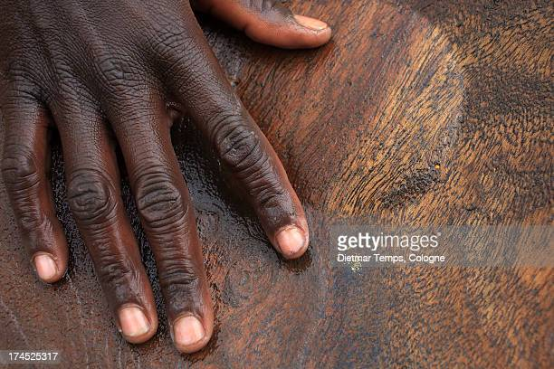 gold panning, gold and hand, ethiopia - dietmar temps 個照片及圖片檔