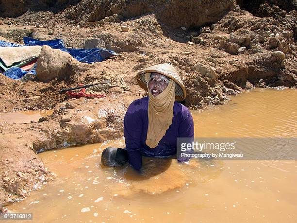 gold panning - gold rush stock photos and pictures