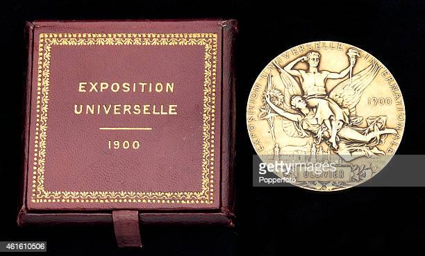 Gold plated Paris 1900 Exposition Universelle/Olympic Games presentation medal, circa 1900. The sporting events of the Paris Olympic Games were part...