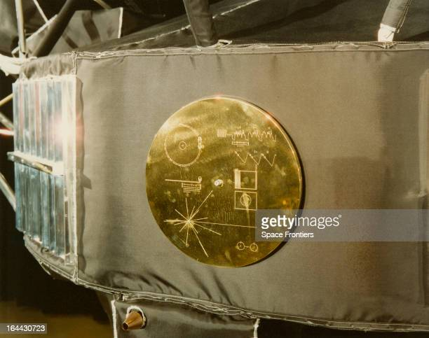 Gold record in its cover, attached to a Voyager space probe, USA, circa 1977. Voyager 1 and its identical sister craft Voyager 2 were launched in...