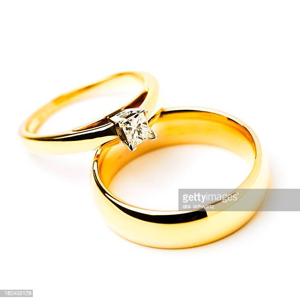 gold rings with a diamond - Picture Of Wedding Rings