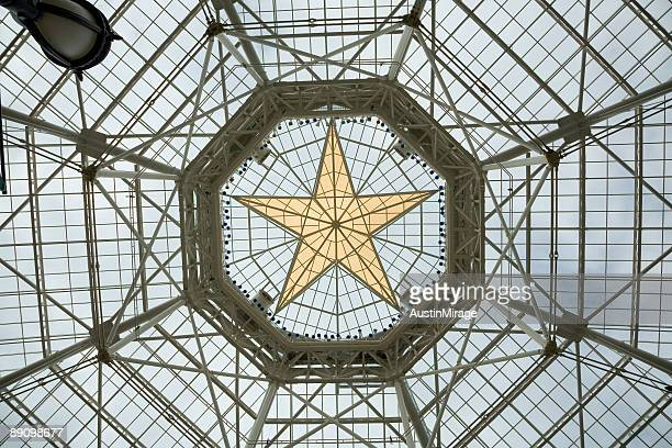 gold star roof gaylord texan resort & convention center - dallas stock pictures, royalty-free photos & images