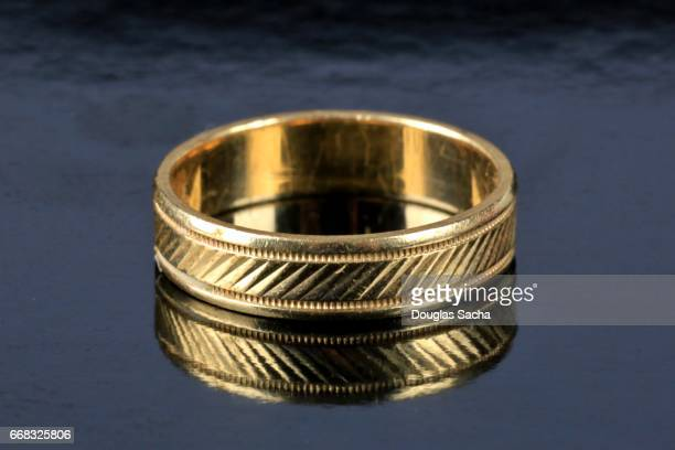 gold wedding band - platinum rings stock pictures, royalty-free photos & images