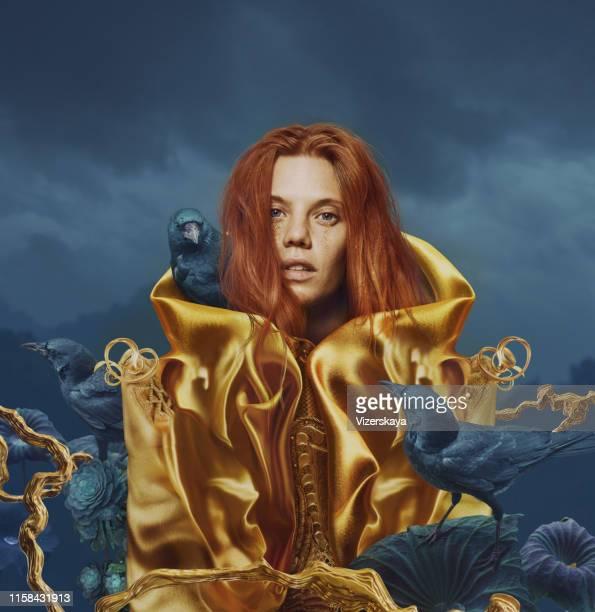 golden alien - coat foto e immagini stock