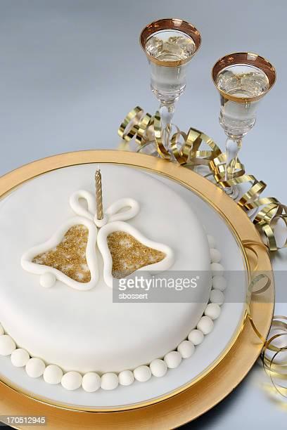 黄金周年記念ケーキ