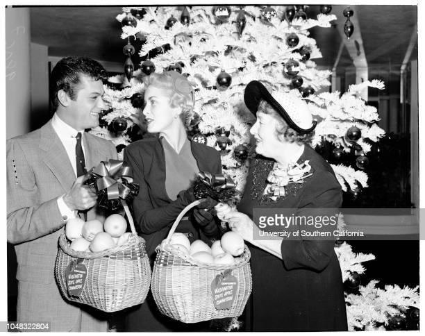 Golden Apples' award by Women's Press Club of Hollywood 20 January 1953 Tony Curtis Janet Leigh Ivy Wilson made presentationsSupplementary material...