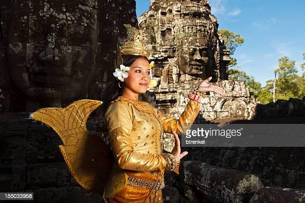 Golden apsara-Tänzer im Bayon-Tempel
