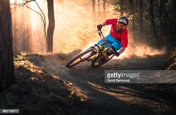 golden bermed corner - mountain biking stock pictures, royalty-free photos & images