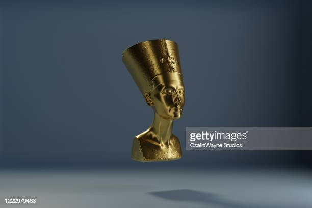 golden bust of nefertiti - archaeology stock pictures, royalty-free photos & images